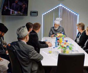 Califa do Islão acolhido na Dinamarca pela Presidente de Câmara Municipal de Hvidovre