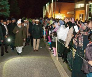 Chefe Supremo da Comunidade Islâmica Ahmadia chega a Otawa